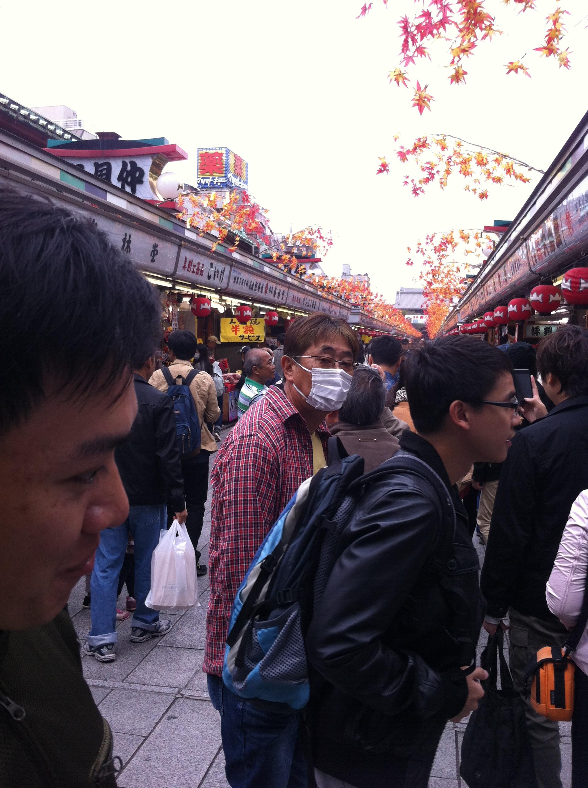 ปลาดิบซาซิมิ,วิธีเที่ยวญี่ปุ่นอย่างประหยัด,ค่าครองชีพที่ญี่ปุ่น,คนญี่ปุ่นในไทย,คนไทยในญี่ปุ่น,หญิงไทยในญี่ปุ่น,หญิงไทยในโตเกียวโอซาก้า, วาซาบิ แซลม่อน โรงแรมร้านอาหารโตเกียวญี่ปุ่นแนะนำPicture 351